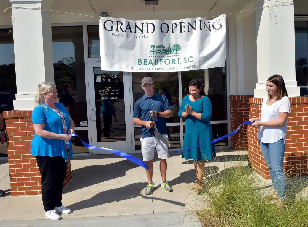 grand opeing ribbon cutting (Medium)