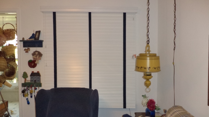 Should Wooden Blinds in Bastrop Remain Behind When You Sell?