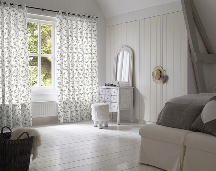 Why Curtains in Maple Valley Are a Good Consideration for a Child's Bedroom