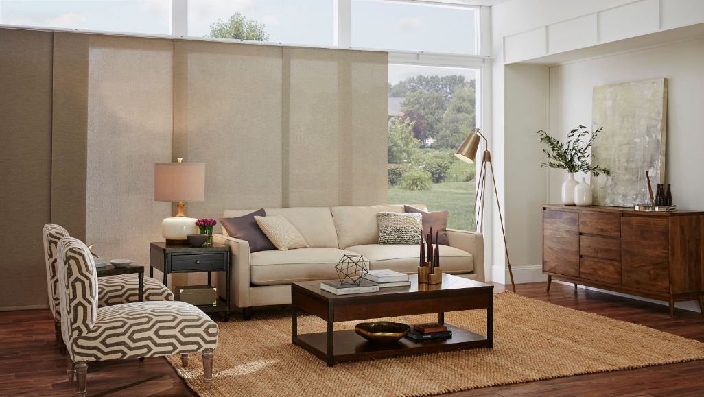 roller-panel-track-living-room-enlightened-style.jpg