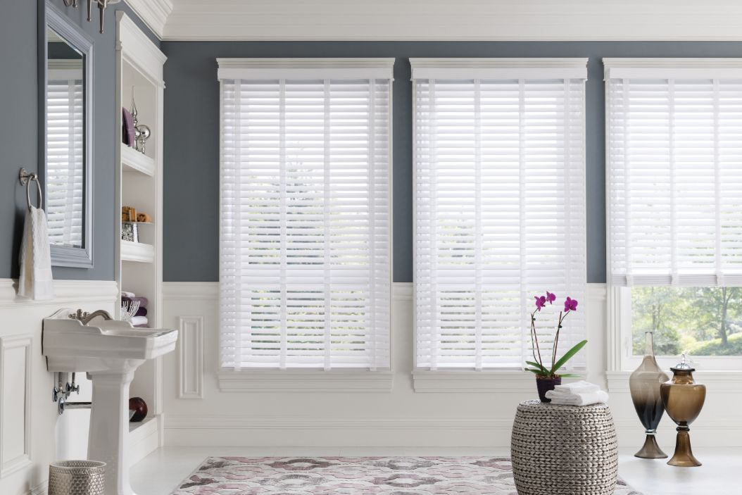 faux-wood-blinds-bathroom-article.jpg