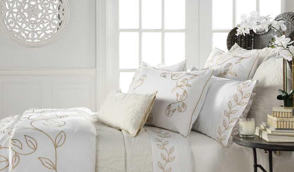 Avasa Studio Beige Cream Leaf Bedding