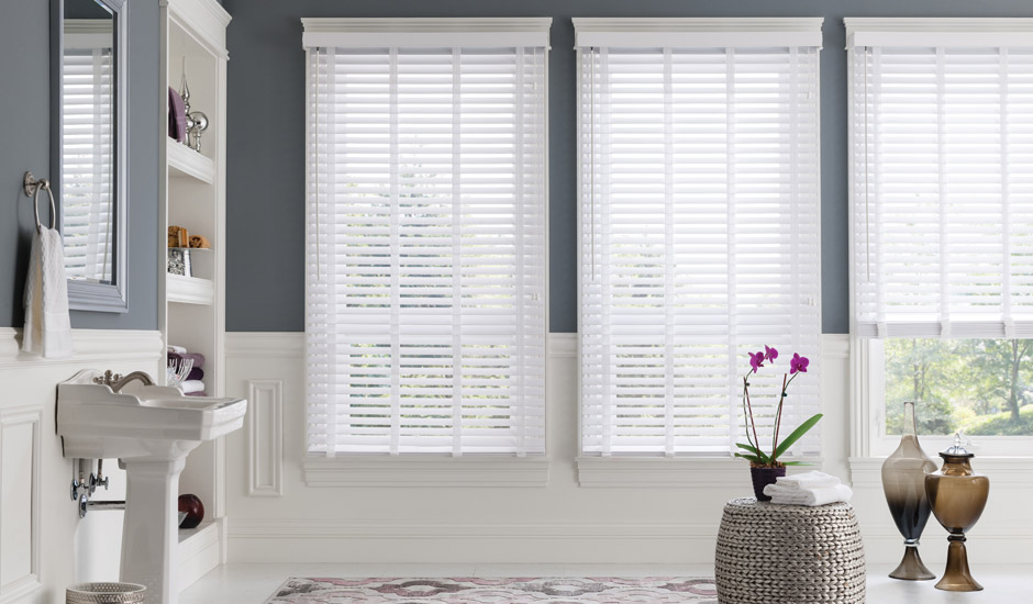 White Bathroom Faux Wood Blinds 3