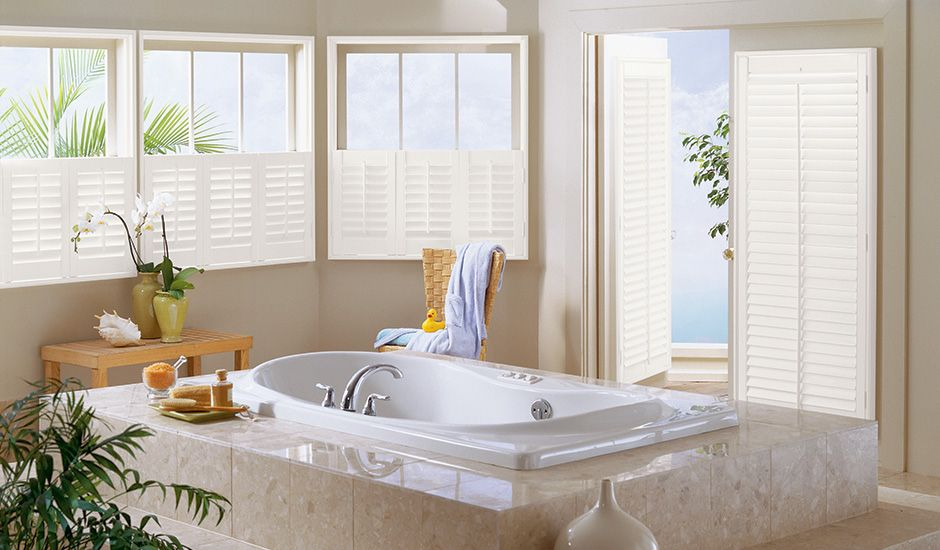 Composite_Cafe_Shutter_Bathroom_Silk_White
