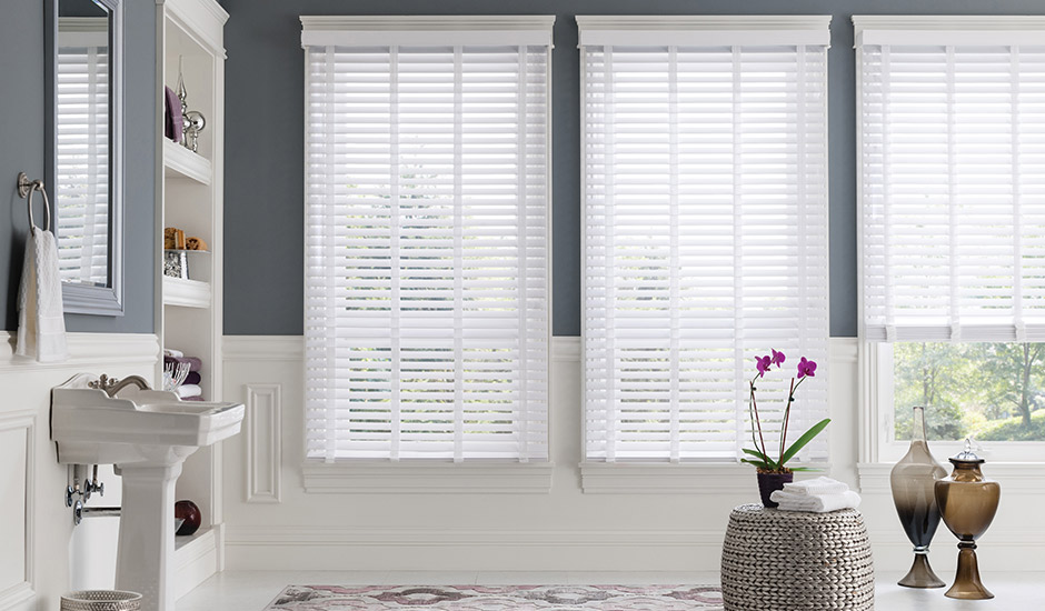 bathroom-white-faux-wood-blinds