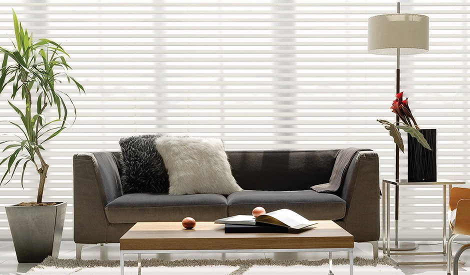 large-window-white-blinds-living-room