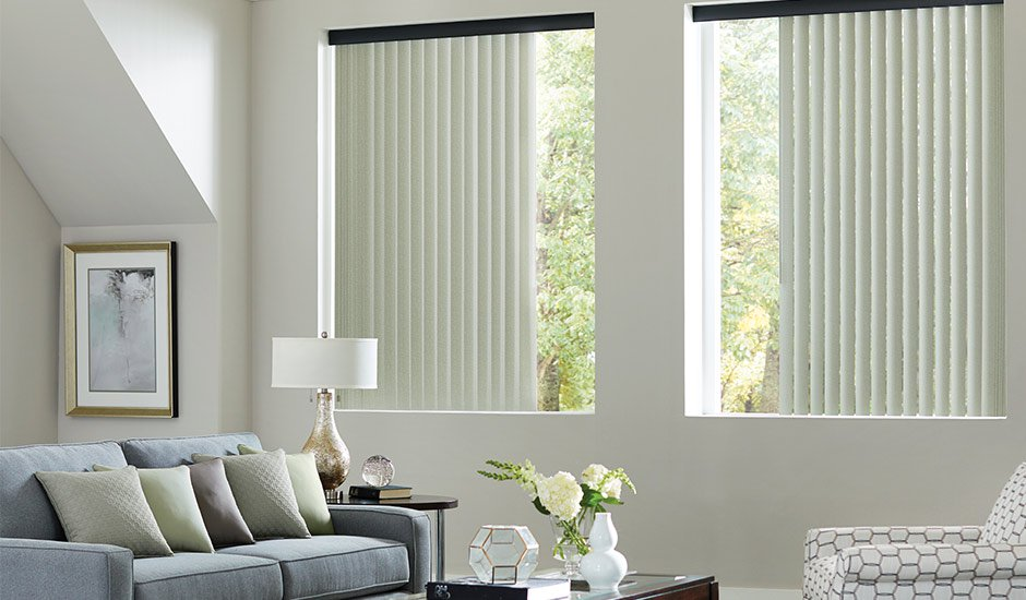 Merveilleux Vertical Blinds White And Black Living Room